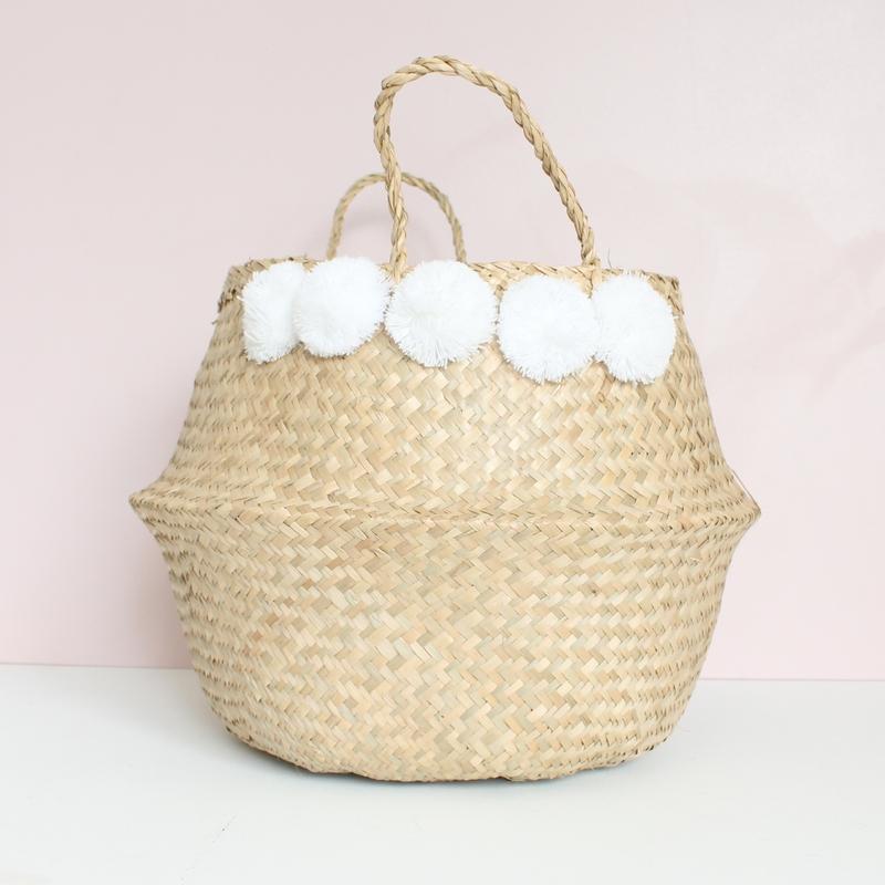 grand panier boule naturel pompons blancs le joli shop. Black Bedroom Furniture Sets. Home Design Ideas