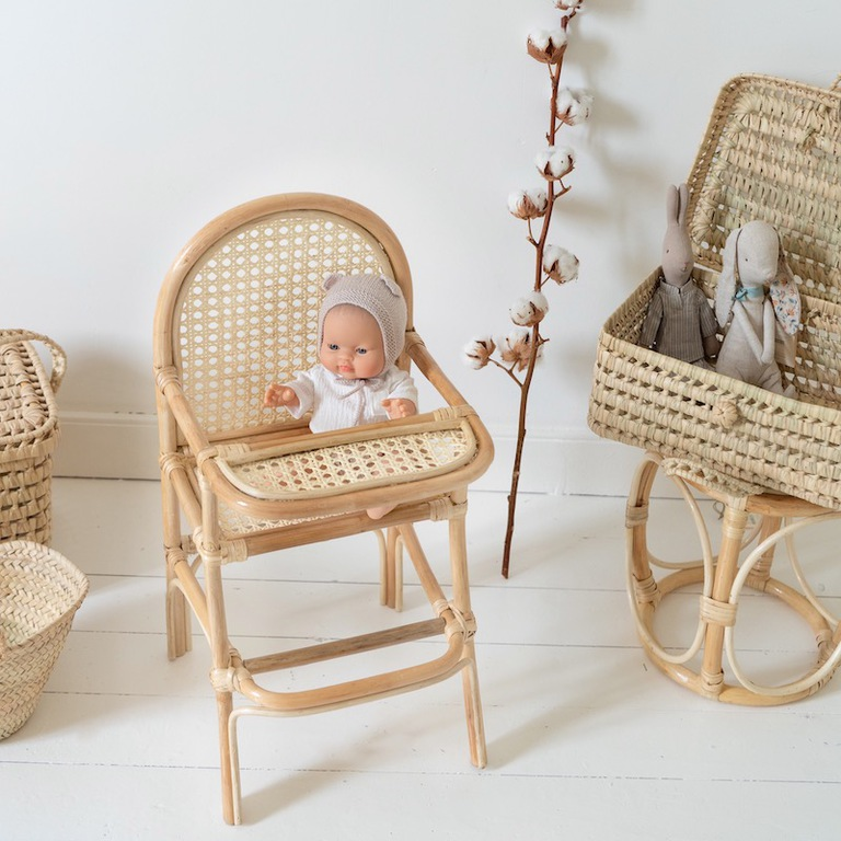 chaise-en-cannage-rotin-poupee