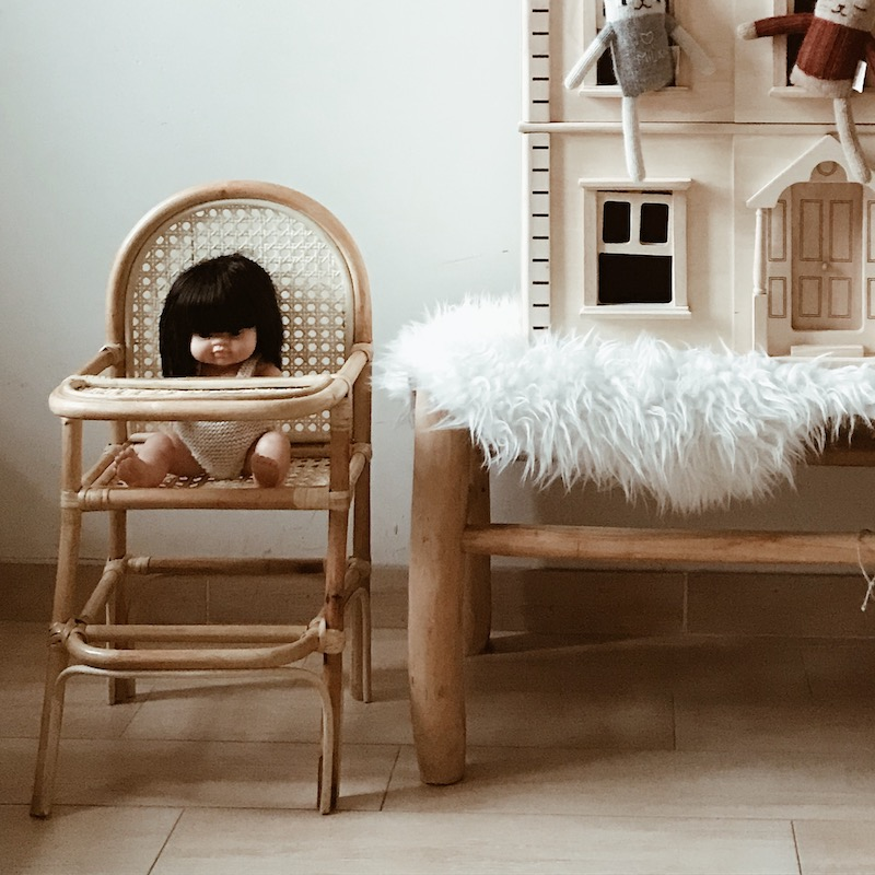 chaise-cannage-poupee