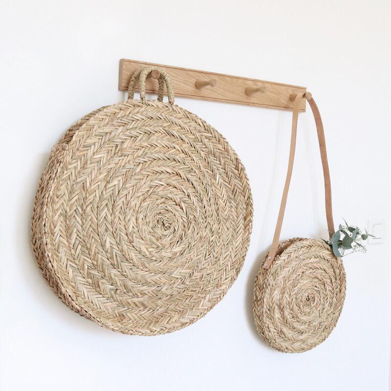 panier rond en paille bloom xl le joli shop. Black Bedroom Furniture Sets. Home Design Ideas