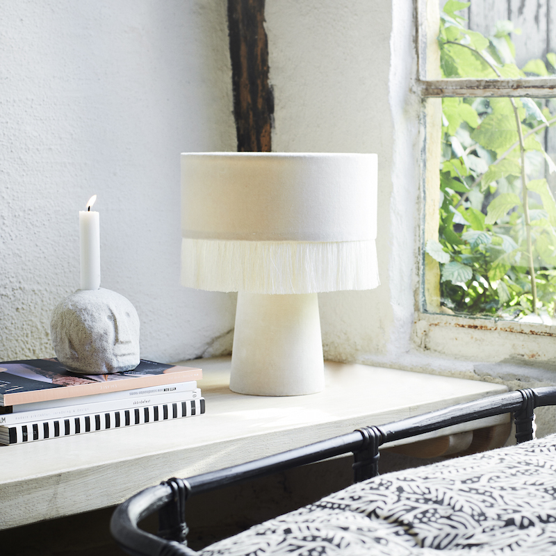 lampe-de-table-en-velours-madam-stoltz