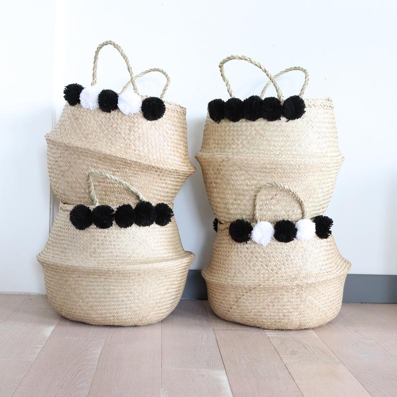 grand panier boule naturel pompons noirs et blancs le joli shop. Black Bedroom Furniture Sets. Home Design Ideas