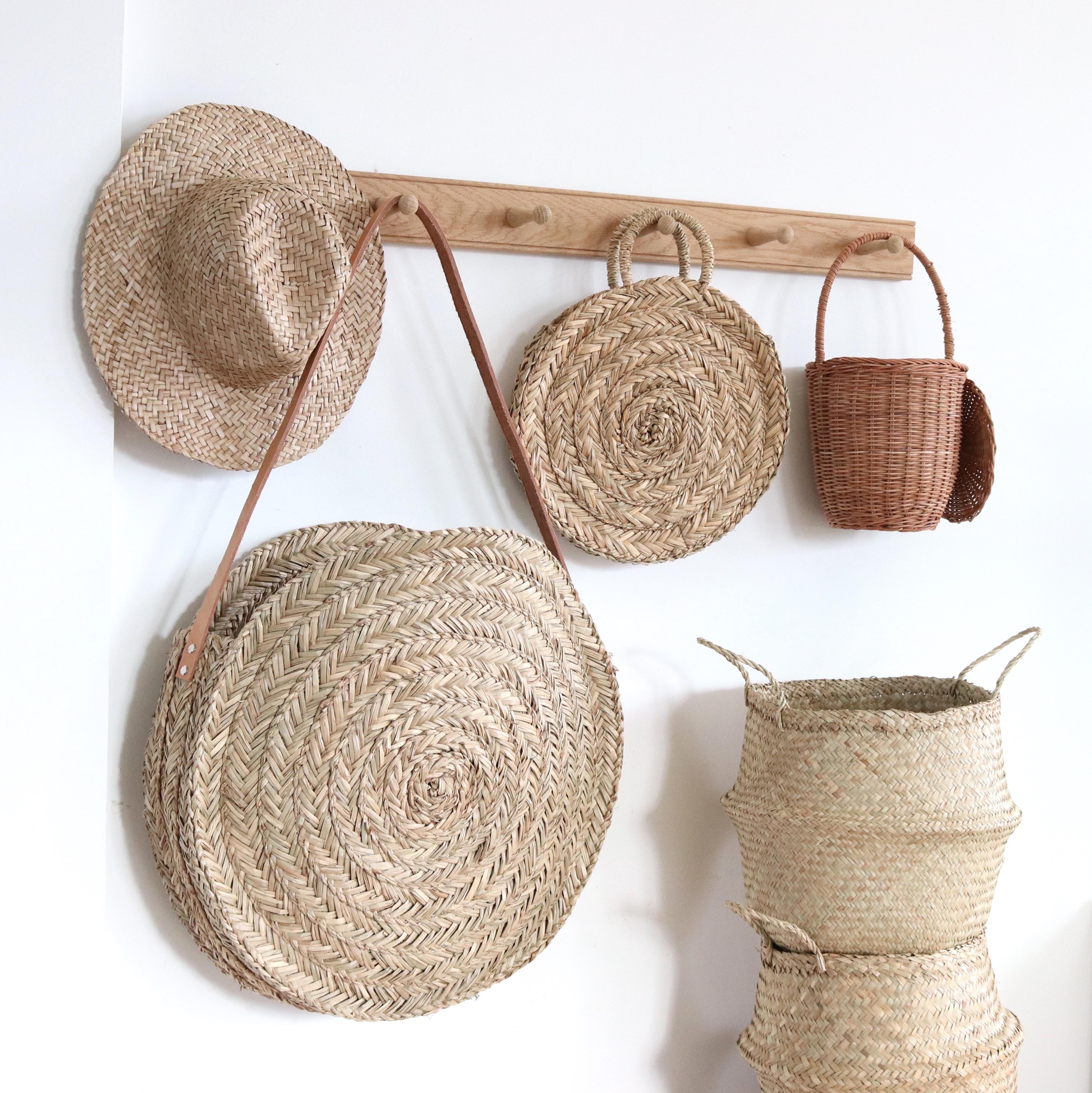 panier rond en paille bloom xl avec anse en cuir le joli. Black Bedroom Furniture Sets. Home Design Ideas