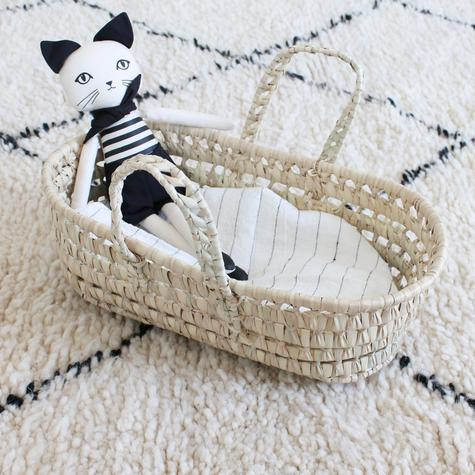 couffin-doll-basket-paille-poupee