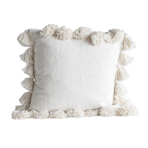 coussin-chateau-beige-a-pompons-bloomingville