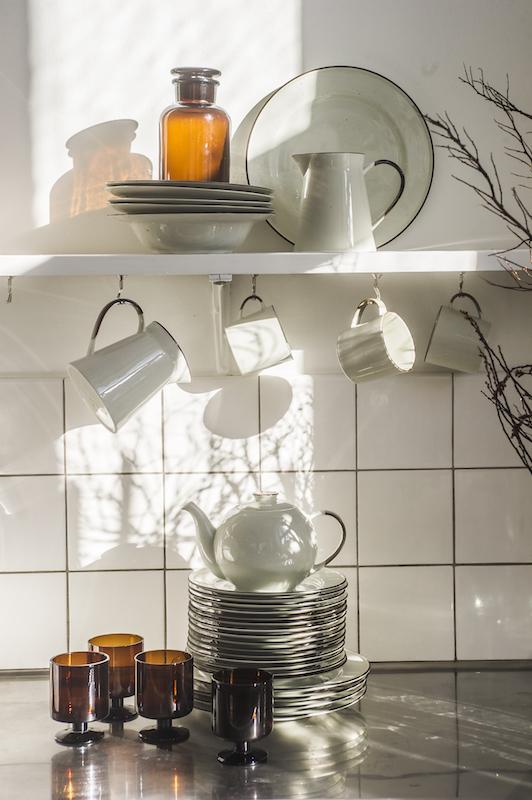pot d 39 apothicaire en verre ambre le joli shop. Black Bedroom Furniture Sets. Home Design Ideas